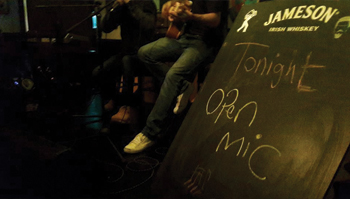 open-mic-at-corners-pub-amman